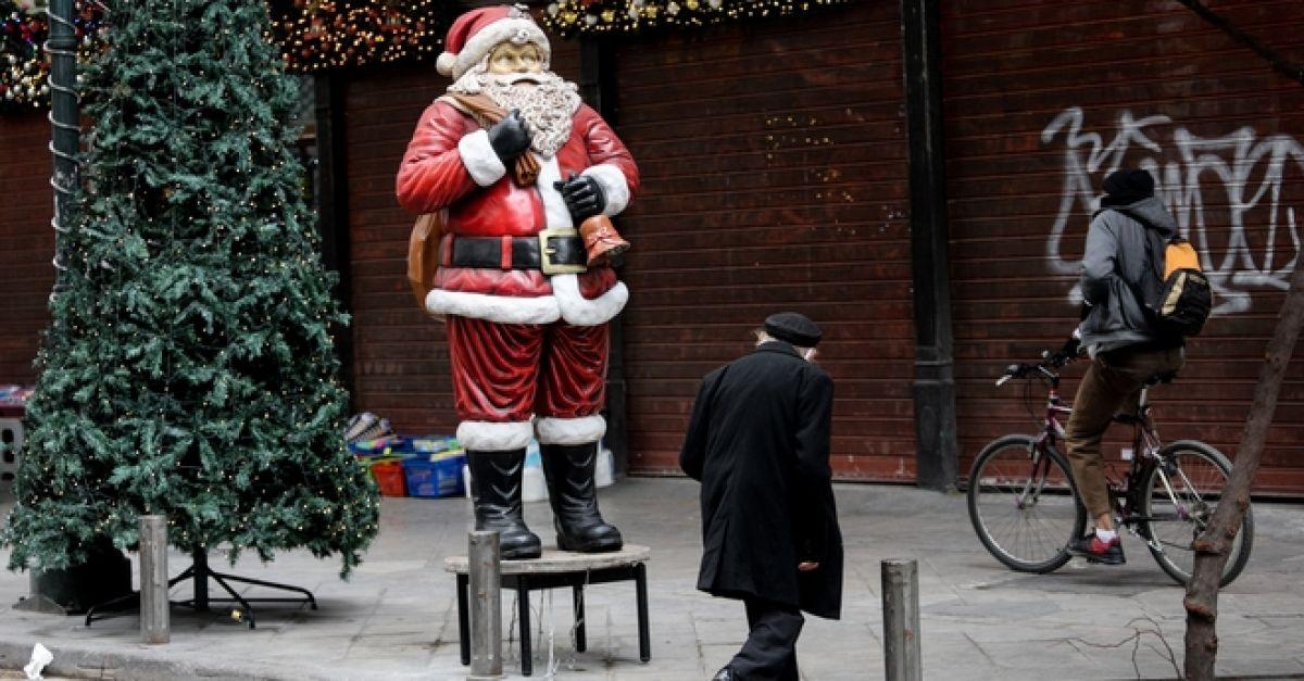 Χριστούγεννα με κορονοϊό: SMS και απαγόρευση κυκλοφορίας με ανοιχτό το λιανεμπόριο - Πολιτική